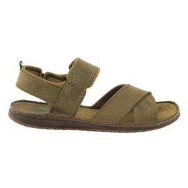 Smeđ Riko sportske sandale 852