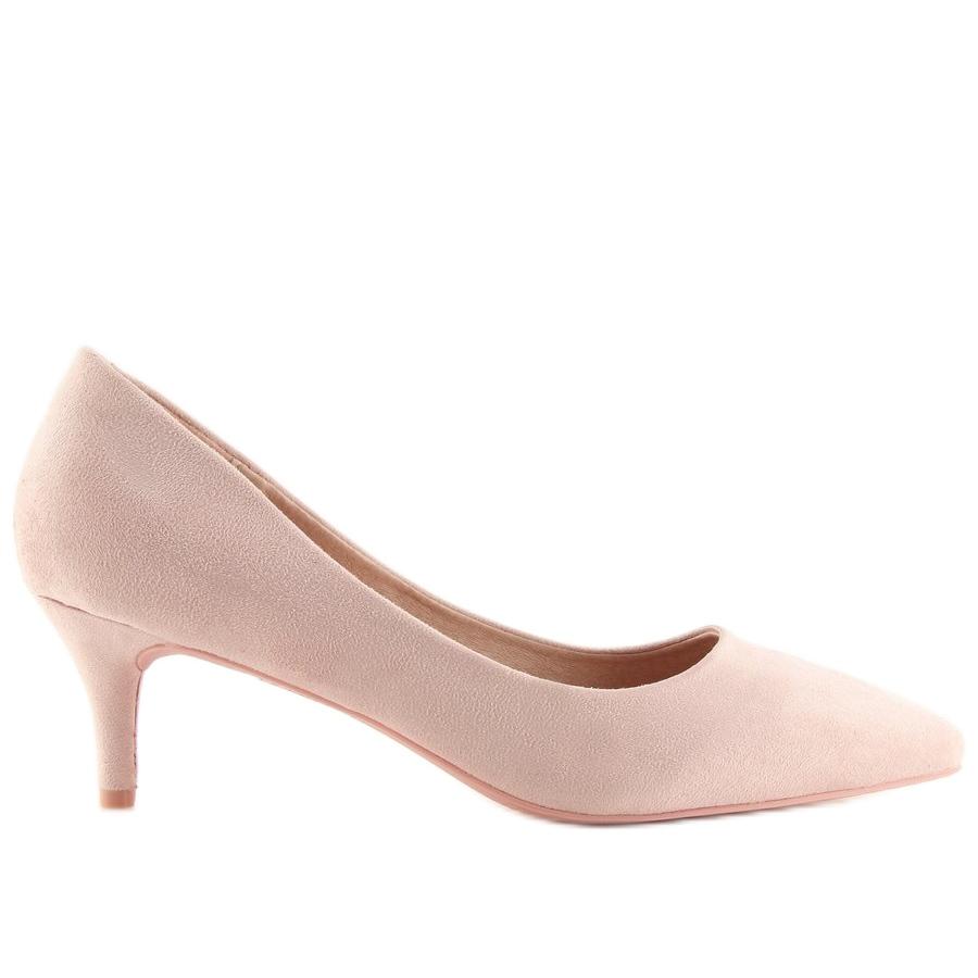 Meztelen modellek magas sarkú cipőben