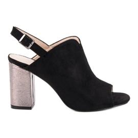 Crna Cvjetovi sandale na postu VINCEZA