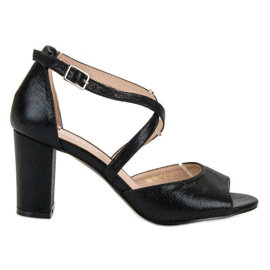 Crne sandale na UP postu VINCEZA crna