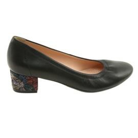 Crna Pumpe za ženske kožne cipele Arka 5627 crne