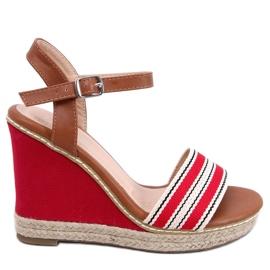 Crvena Sandale na klinaste potpetice crvene 9068 Crvene