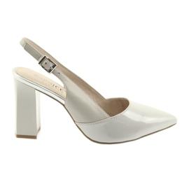 Ženske sandale na post Caprice 29604 sive siva