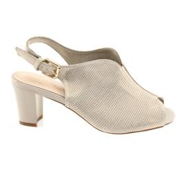 Sandale na post Sergio Leone 800