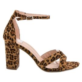 Ideal Shoes smeđ Sandale u baru