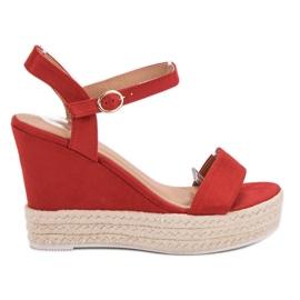 Ideal Shoes crvena Moderan sandale na klin