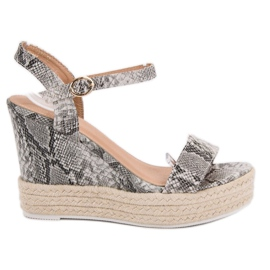 Ideal Shoes siva Moderan sandale na klin
