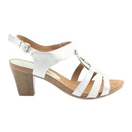 Caprice ženske sandale s ukrasom srebrni oval 28308