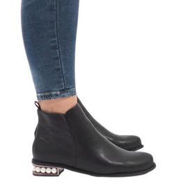 Crne čizme za gležnjeve s biserima LEI-189 crna