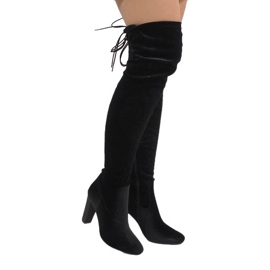 Ideal Shoes fekete Crne baršunaste čizme na pošti E-4902
