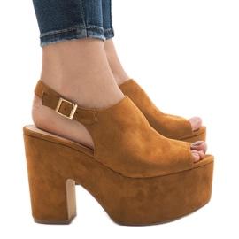 Sandale od kamele na masivnoj cigli od 8263CA