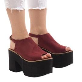 Burgundske sandale na masivnoj cigli od B8290