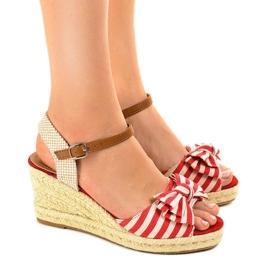 Crvena Crvene klinaste sandale s lukom W032