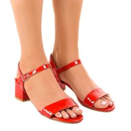 Crvene sandale na postolju s lakom Qla-93 crvena