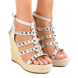 Siva Sivi sandali na slamnatom klinču 9529