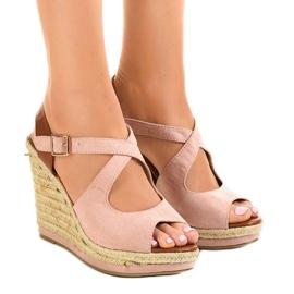 Roze Ružičaste sandale na klinastim potpeticama LM-0205