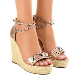 Bakar Bakrene antilop sandale na klin 100-863SC