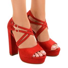Crvena Crvene sandale na antilop suknja D09