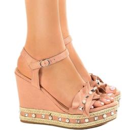 Roze Ružičaste sandale na klinaste perle 2445