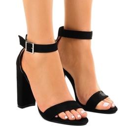 Crna Crne sandale na postolju s kopčom 369-18