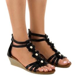 Crna Crne sandale B125 na klin