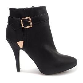 Fekete Elegantne čizme na pin 6-148 crne
