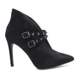 Fekete Crne čizme na Karine petu