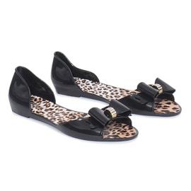 Fekete Crni meliski sandali s Nelly lukom