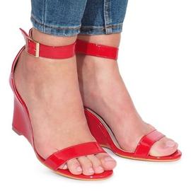 Crvena Crveno lakirane sandale Gail klinovi