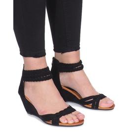 Crna Crne sandale na osjetljivom Desun klinču