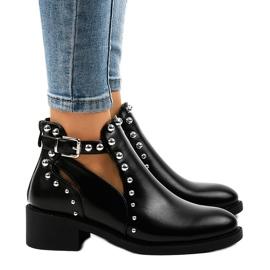Crna Crne ženske čizme na postolju A-407