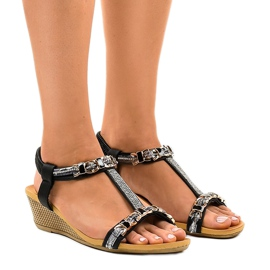 Crne sandale na klin sa štiklama 9-59 crna