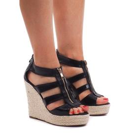 Crna Sandale s klinom 100-575 crne