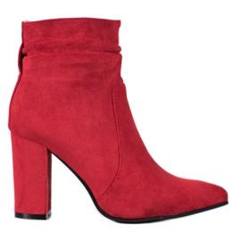 Ideal Shoes Suede čizme u baru crvena
