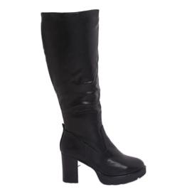 Crne izolirane čizme s visokom petom Q600-04 crne crna