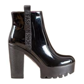 Seastar Lakirane modne čizme crna
