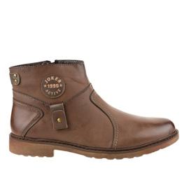 Izolirane smeđe klizne cipele A20182-5