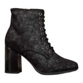 Kylie Vezane čizme na šanku crna