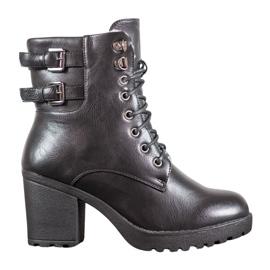 J. Star Vezani čizme na platformi crna